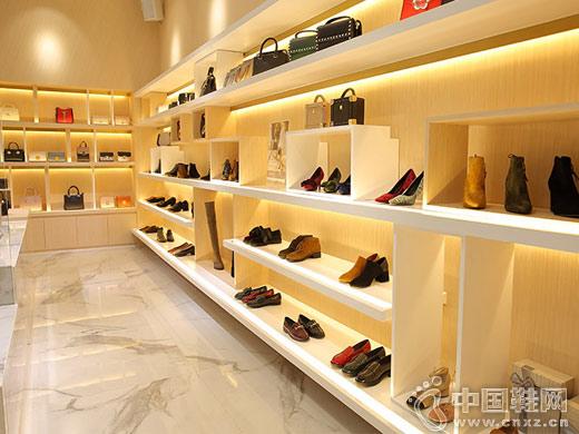 色非女鞋形象专卖店