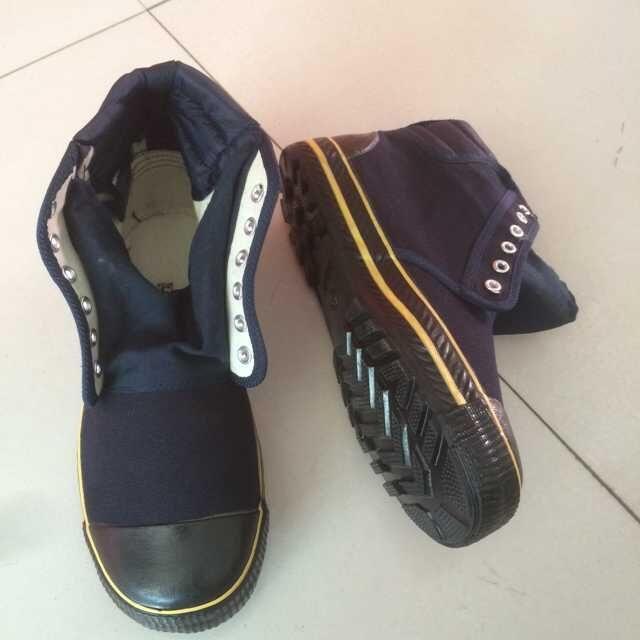 军警鞋厂家,焦作天狼解放鞋